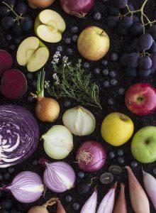 Photo produits culinaires Illustration couleur violet - Jus et soupes détox - Delphine Guichard - Photographe culinaire