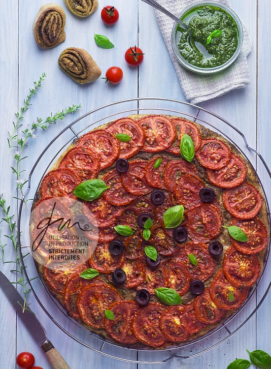 Photo recette - Tarte aux tomates rôties et au pesto - blog Cook'n Focus - Delphine Guichard photographe culinaire
