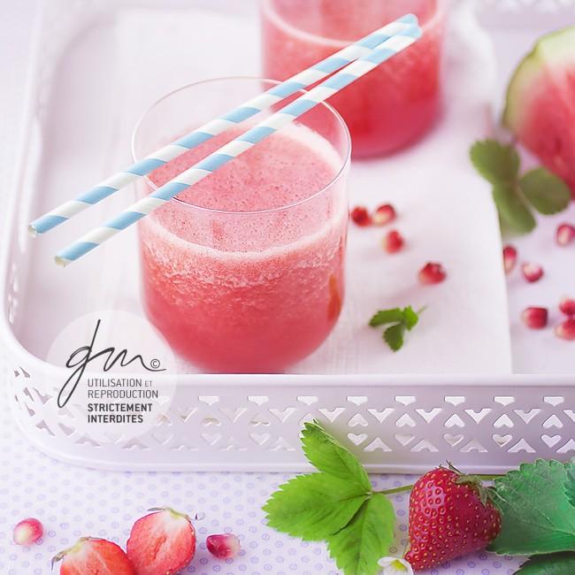 Photo recette Smoothie fraise - Jus et soupes detox - Delphine Guichard - Photographe culinaire